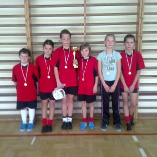 Gminny Halowy Turniej Piłki Nożnej Dziewcząt i Chłopców 2012